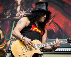 Slash: nuovo materiale musicale per i Guns N'Roses